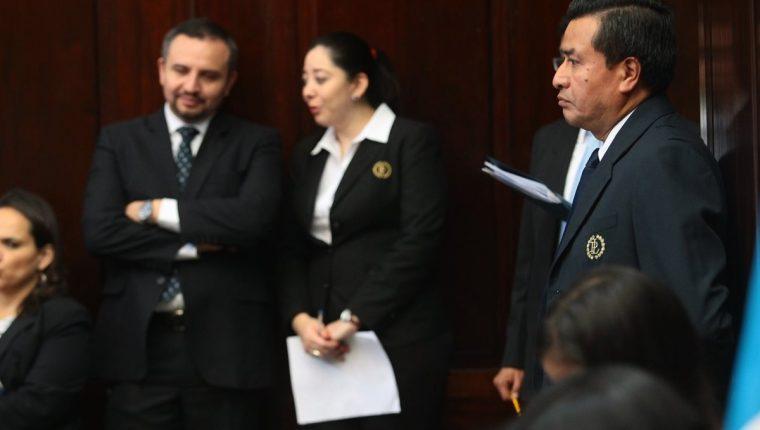 El Congreso debe contratar por ley, al menos 602 personas más. (Foto Prensa Libre: Hemeroteca PL)
