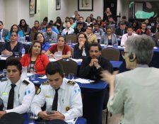 Expertos internacionales capacitan a personal de la PNC y MP acerca de la persecución del cibercrimen y cómo detectar que un niño ha sido abusado sexualmente. (Foto Prensa Libre: Esbin García)