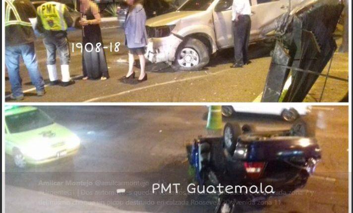 Vehículos implicados en choque en calzada Roosevelt. (Foto Prensa Libre: Amílcar Montejo)