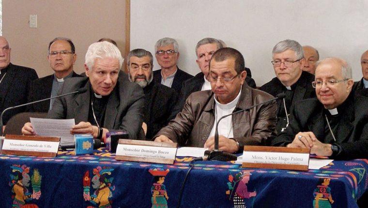 Gonzalo de Villa, presidente de la Conferencia Episcopal del Guatemala en una conferencia de prensa. (Foto Prensa Libre: Hemeroteca PL)