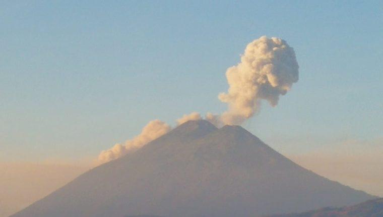 El Volcán de Fuego no ha cesado en meses su actividad. (Foto: Hemeroteca PL)