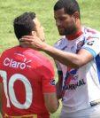 Marco Pablo Pappa escupió a Leandro Barbosa durante el duelo entre Municipal y Xelajú MC. (Foto Prensa Libre: Captura de Pantalla Youtube Guatevision)