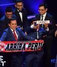 Los aficionados peruanos asistieron a la gala en Londres para ser galardonados con The Best. (Foto Prensa Libre: AFP)