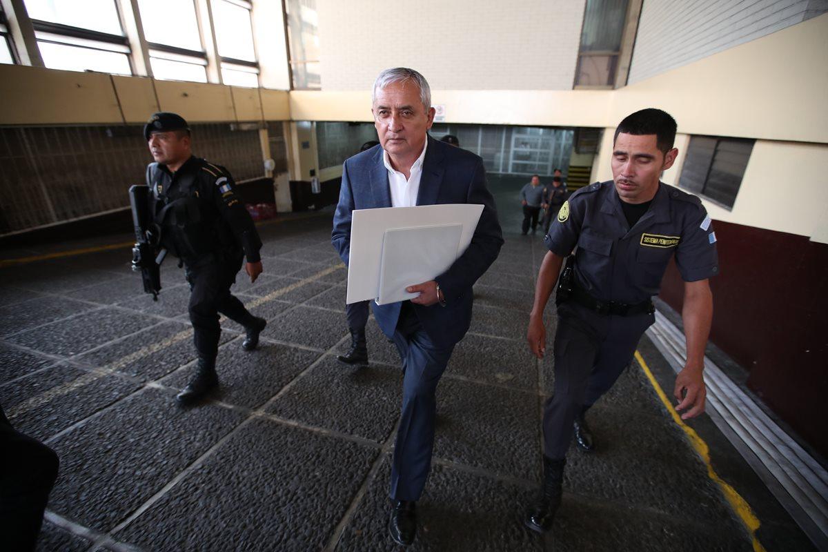 Otto Pérez ha buscado una medida sustitutiva por problemas del corazón. (Foto Prensa Libre: Hemeroteca PL)