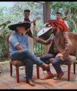 Alfonso Portillo es entrevistado para el programa Las Inolvidables, de Guatevision. (Foto Prensa Libre: Youtube)