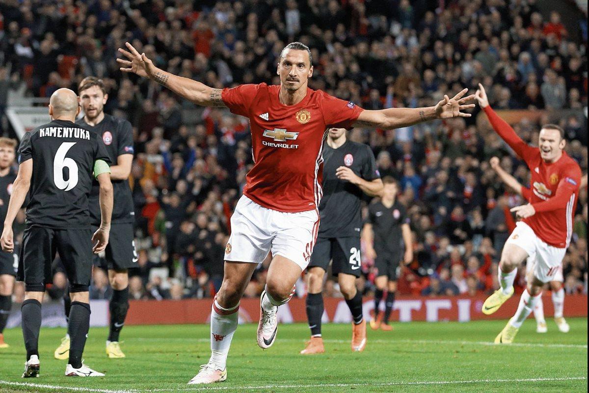Zlatan Ibrahimovic podría disputar su última temporada en el Manchester y poner rumbo a la MLS. (Foto Prensa Libre: Hemeroteca PL)