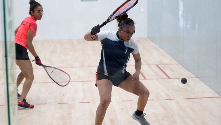 Ana Gabriela Martínez protagonizó una gran final contra Paola Longoria (Foto Prensa Libre: Carlos Vicente)