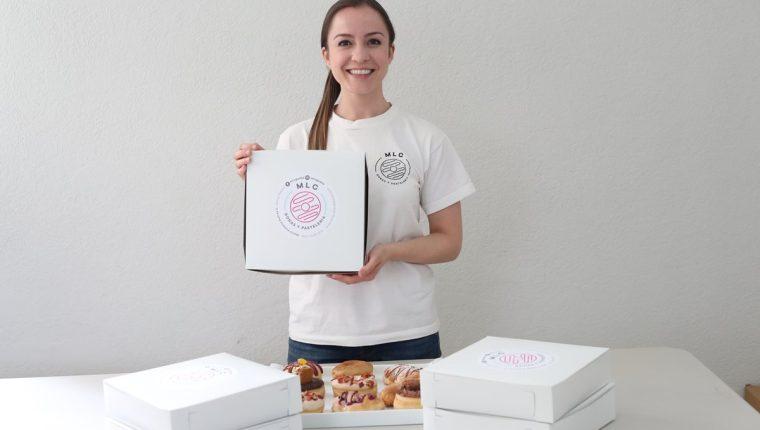 María Victoria Suárez Cerezo es fundadora de la repostería Miss Little Cakes, negocio dedicado a la elaboración de donas artesanales y pasteles personalizados para todo tipo de evento. (Foto Prensa Libre: Esbin García)