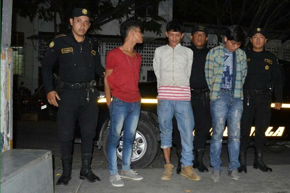 Capturados fueron sorprendidos cuando asaltaban a transeúntes