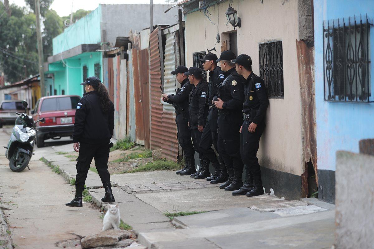 Degenhart sostiene que el martes hubo muchos operativos con el MP y los recursos son limitados. (Foto Prensa Libre: Hemeroteca PL)