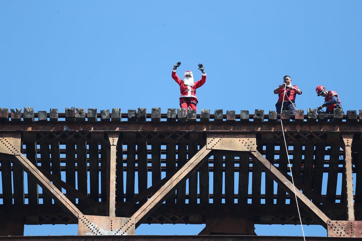 Un salto de felicidad en Navidad
