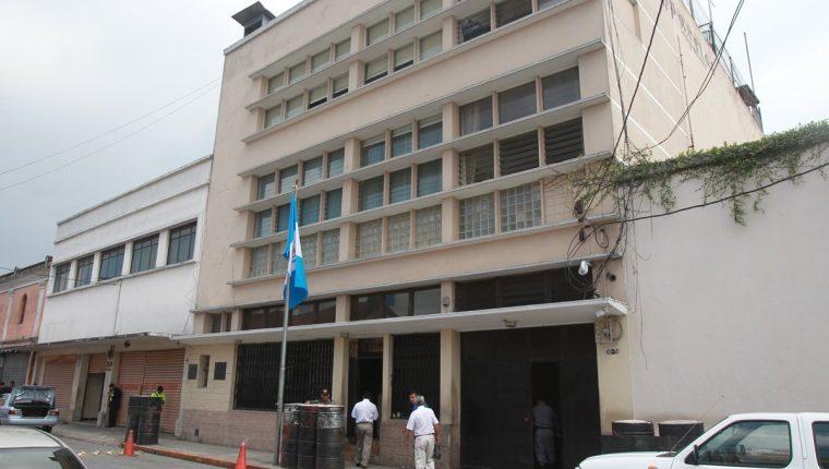 Sede central del Sistema Penitenciario, en la 10a. avenida de la zona 1. (Foto Prensa Libre: Hemeroteca PL)