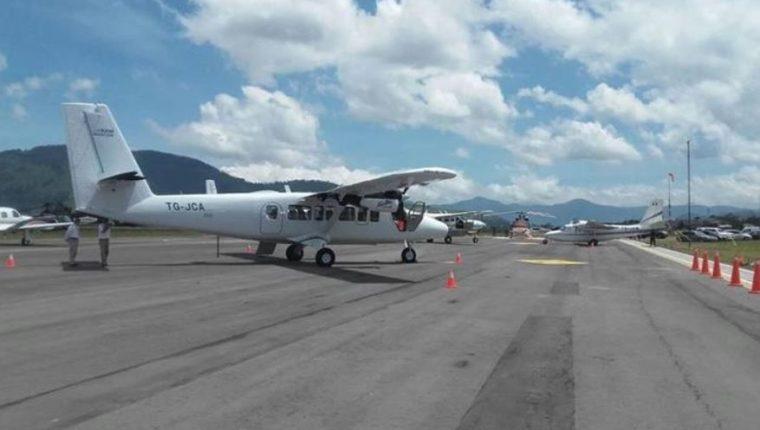 Vista de la pista de aterrizaje del Aeropuerto Los Altos, en Quetzaltenango. (Foto Prensa Libre: Hemeroteca)