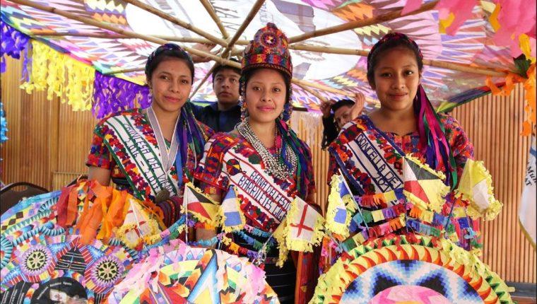 El Festival de barriletes gigantes de Santiago, Sacatepéquez se realizará los próximos 1 y 2 de noviembre del presente año. (Foto Prensa Libre: Cortesía Inguat)