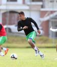 Andrés Lezcano es uno de los futbolistas en los que ha confiado el técnico Mauricio Tapia. (Foto Prensa Libre: Francisco Sánchez)