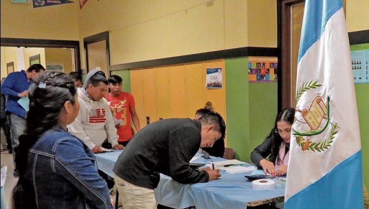 La propuesta del TSE evitaría que los guatemaltecos tengan que empadronarse por la vía electrónica. (Foto Prensa Libre: Hemeroteca PL)