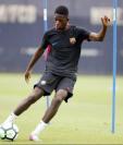 El delantero francés Ousmane Dembelé ha tenido problemas en el Barcelona por sus impuntualidades. (Foto Prensa Libre: Hemeroteca PL)