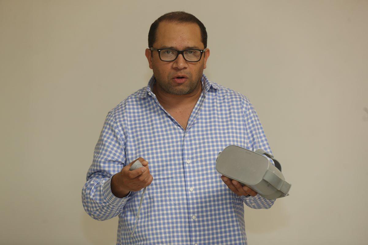 Douglas Fajardo, gerente general de la empresa de tecnología especializada en realidad virtual Xennial Digital. (Foto Prensa Libre: Óscar Rivas)