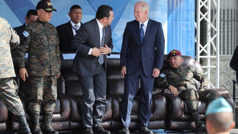 La SIP denuncio una escala de agresiones contra la prensa por parte de Álvaro Arzú y Jimmy Morales. (Foto Prensa Libre: Érick Ávila)
