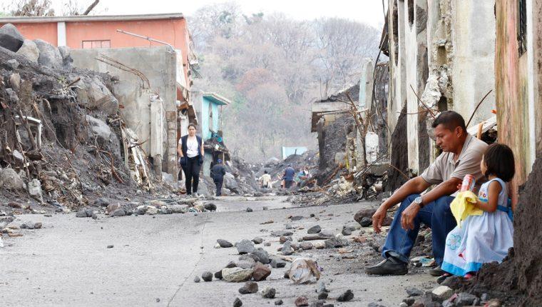 Varias comunidades fueron afectadas por la erupción del Volcán de Fuego. (Foto Prensa Libre: Carlos Paredes)