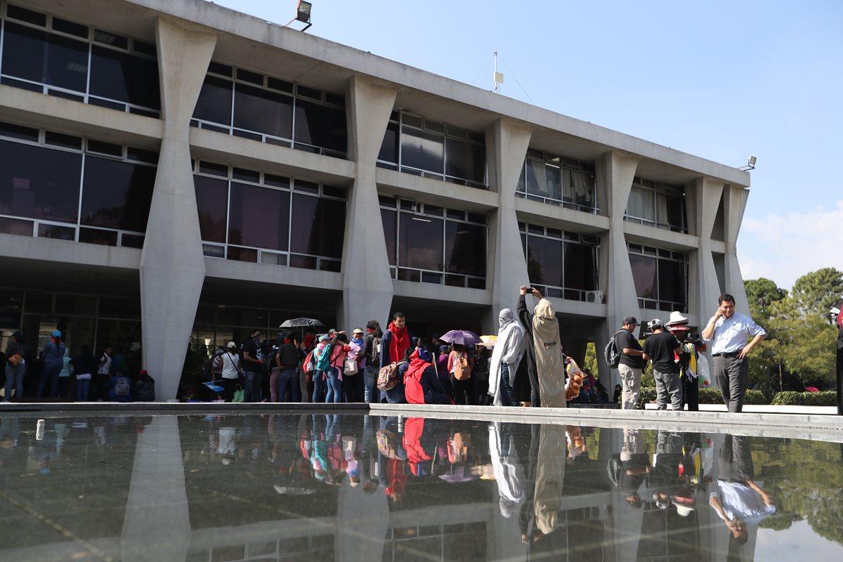 Estudiantes de la USAC piden presupuesto