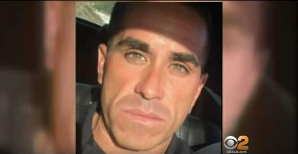 Paul Gonzales, de 45 años, es acusado hurto y extorsión, luego de haber engañado al menos a ocho mujeres en California para que pagaran la cuenta de la cena. (Foto Prensa Libre: Youtube CBS)