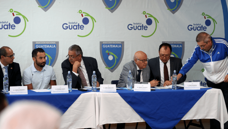 El Comité Ejecutivo de la Fedefut alteró los estatutos de la Fifa y fueron avalados por la Asamblea de Futbol. (Foto Prensa Libre: Carlos Vicente)