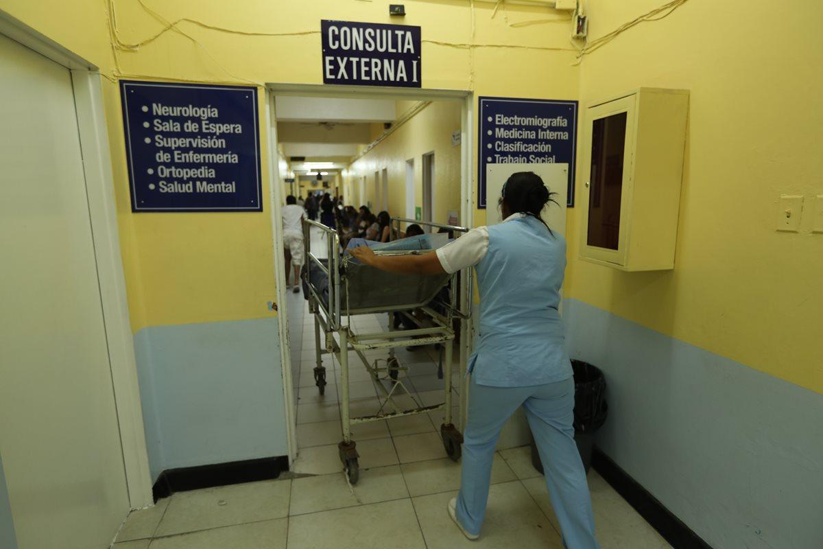 Hospitales San Juan de Dios y Roosevelt suspenden cirugías electivas