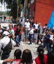 Jorge Vega recibió la llave del Municipio de Jocotenango, por sus logros y enaltecer a su comuniad. (Foto Prensa Libre: Julio Raúl Juárez)