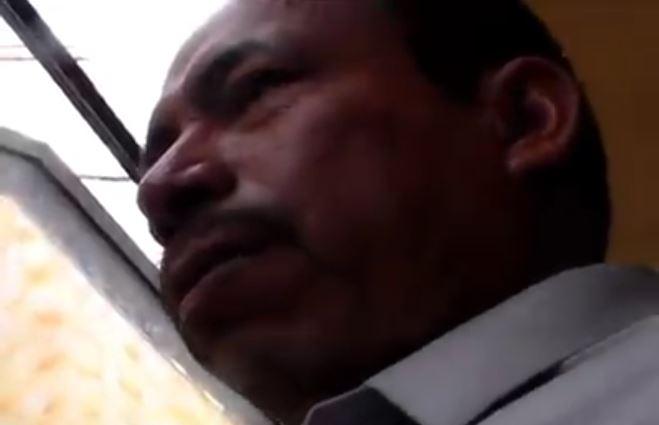Alcalde de San Juan Comalapa, Justo Rufino Similox, intimida a dos periodistas durante cobertura.