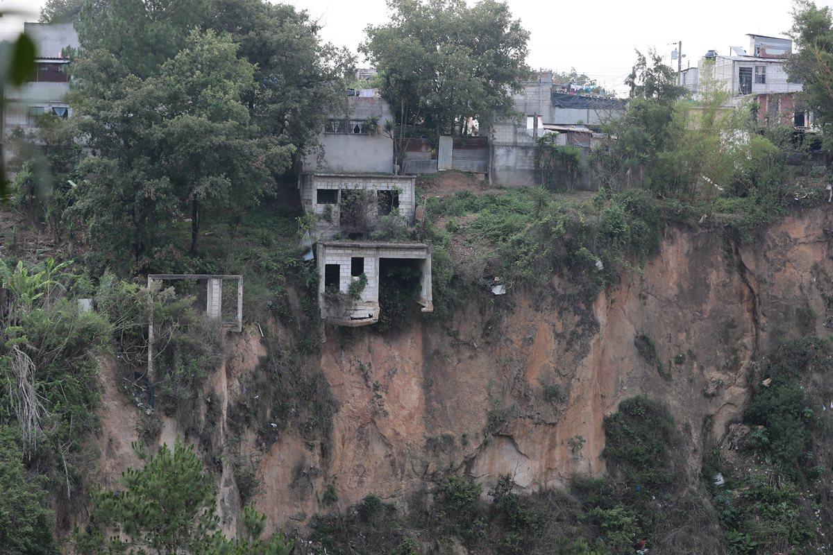 Vecinos de áreas vulnerables a desastres viven incertidumbre en Mixco