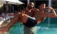 El marroquí Badr Hari es uno de los grandes amigos de Cristiano Ronaldo del Real Madrid. (Foto Prensa Libre: Internet)