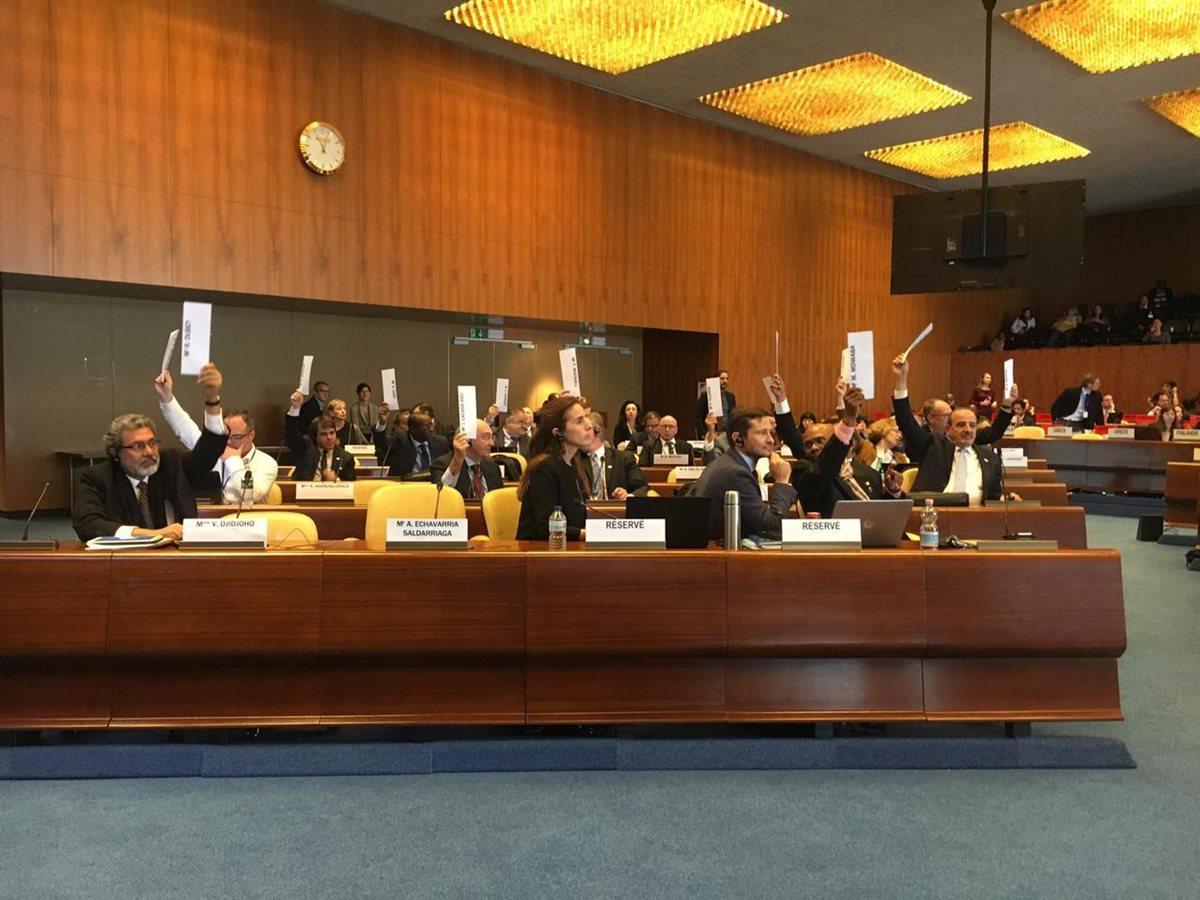 La votación efectuada este jueves en Ginebra, Suiza, finalizó con 27 votos a favor de que se cerrara el caso contra Guatemala, 22 en contra y cuatro abstenciones. (Foto Prensa Libre: OIT)