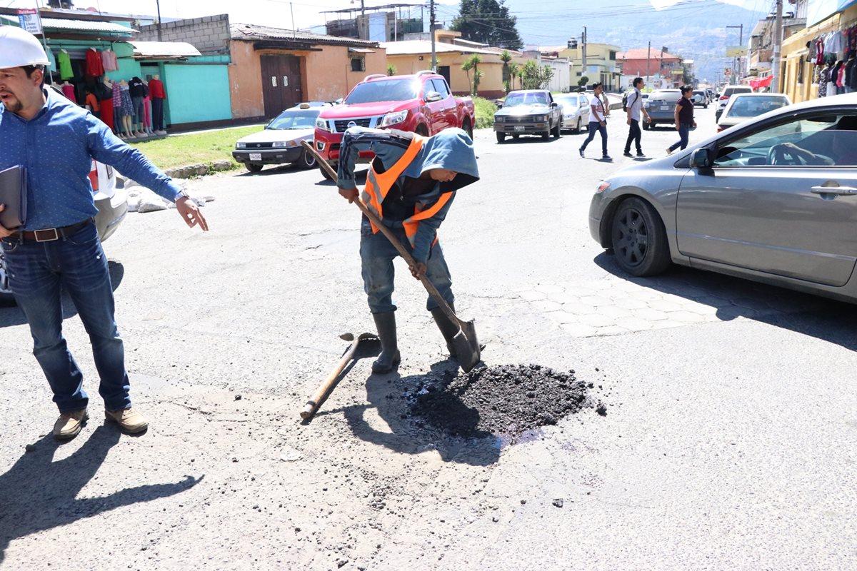 Trabajos para reparar calles de Xela son parciales y de mitigación