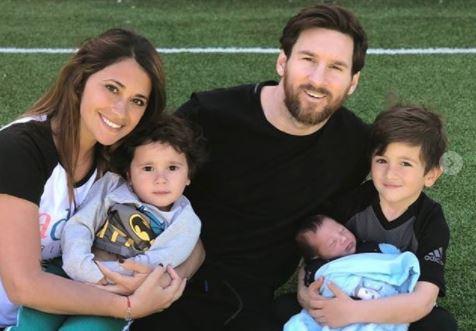 Lionel Messi publicó esta imagen con su familia en redes sociales. (Foto Prensa Libre: Instagram @leomessi)