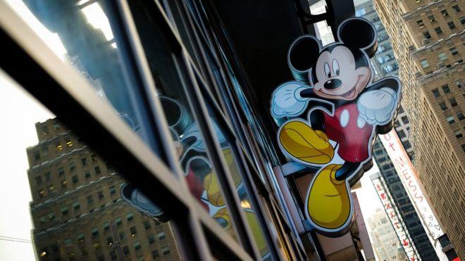 Bart Simpson ahora trabaja para Mickey Mouse: ¿qué consigue Disney con la compra de la división de entretenimiento de Fox?