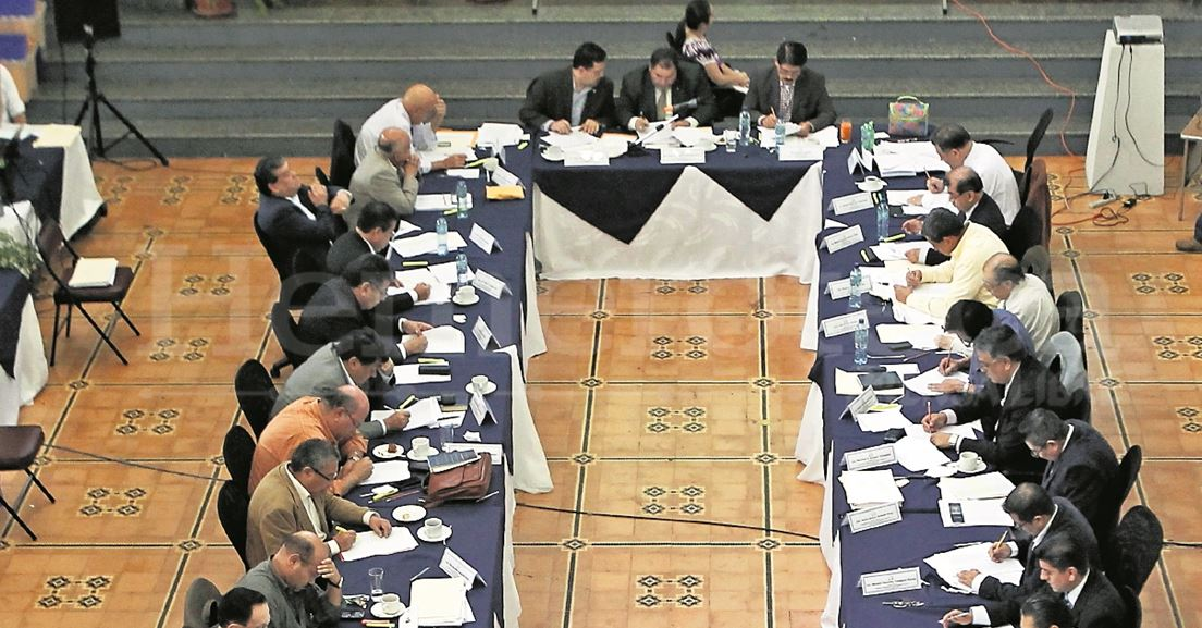 Expertos señalan movimiento de sectores e intereses en la elección de candidatos a fiscal general. (Foto Prensa Libre: Hemeroteca PL)