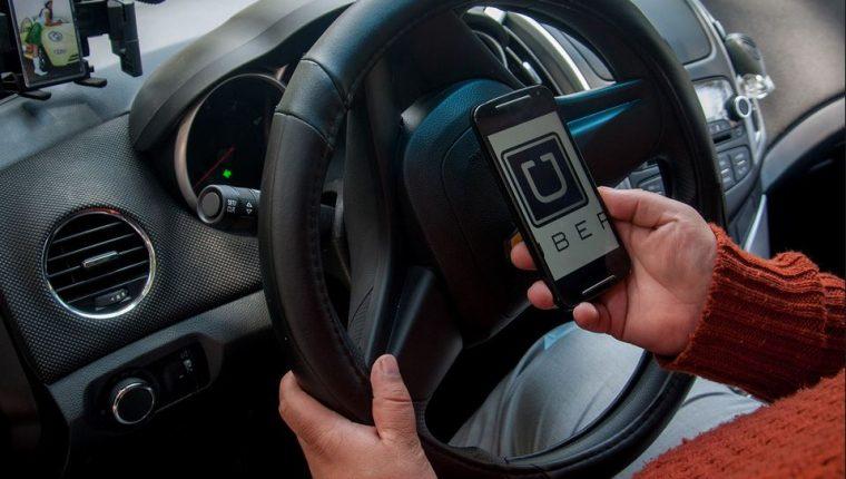 En los últimos tres meses la plataforma Uber ha registrado 145 mil usuarios. (Foto Prensa Libre: Hemeroteca)