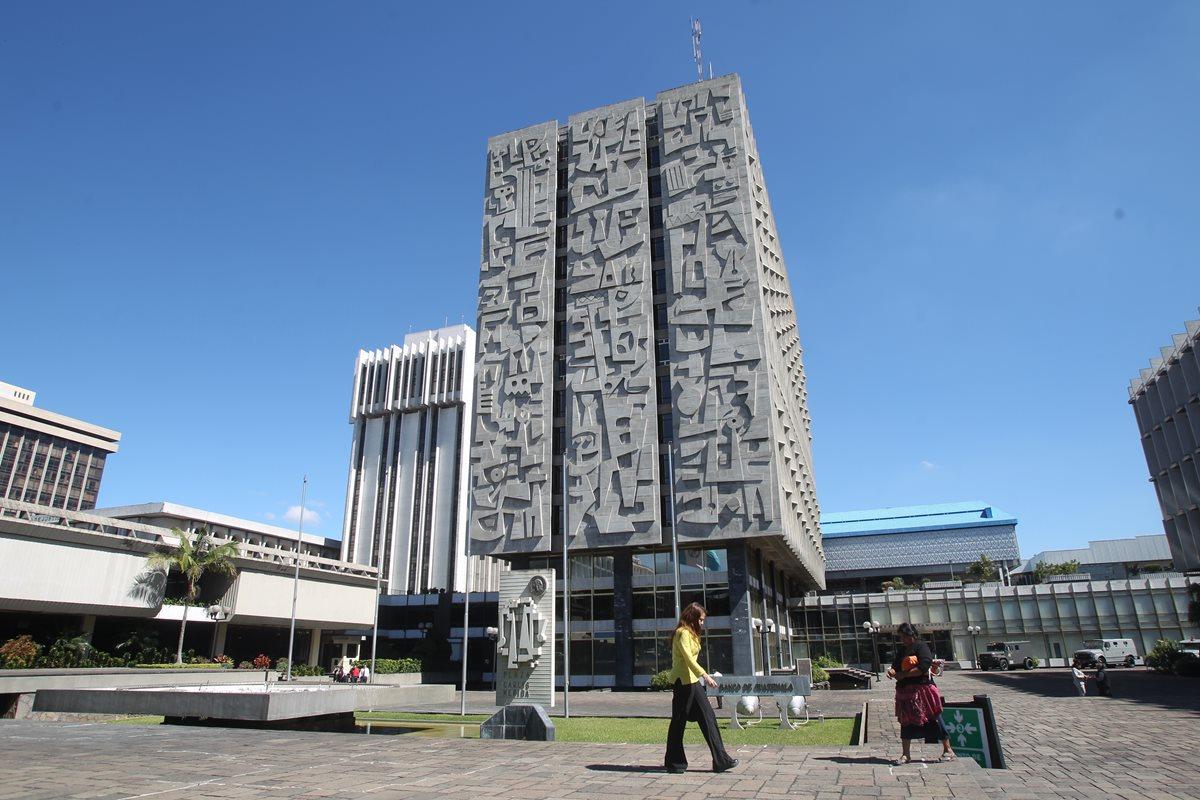 Atención en bancos será irregular el lunes 12 de octubre por asueto del Día de la Hispanidad