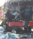 El estallido de una bomba casera en un autobús, en San José Pinula, dejó dos muertos y 16 heridos, el 6 de marzo último. (Foto Prensa Libre: Hemeroteca PL)