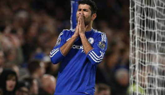 Diego Costa se fracturó la nariz en el entrenamiento del Chelsea. (Foto Prensa Libre: Hemeroteca)