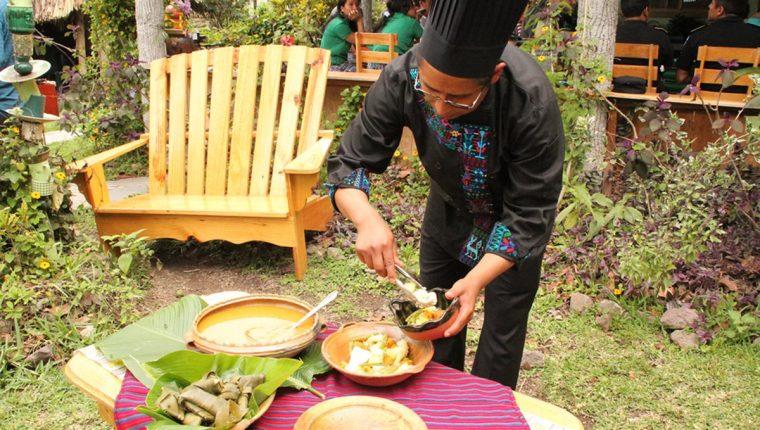 La riqueza de la gastonomía guatemalteca es parte importante de nuestra cultura, según expertos. (Foto Prensa Libre: Ángel Julajuj)