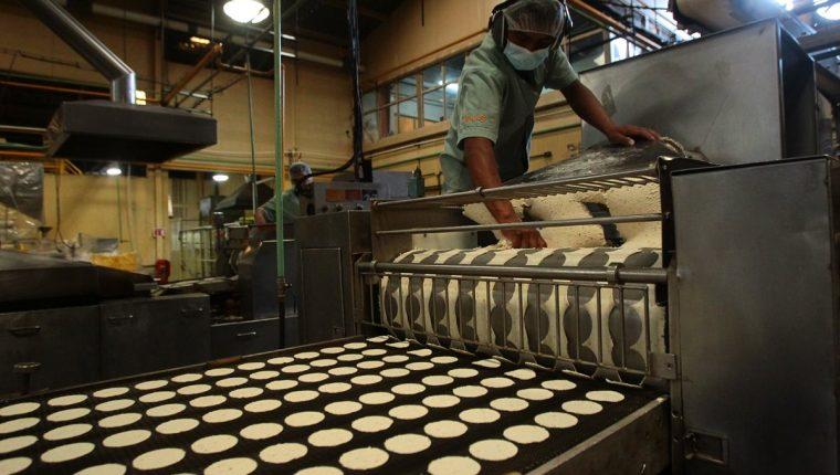 La contracción en seis actividades productivas influyó en que el índice de actividad industrial registrara un retroceso. (Foto Prensa Libre: Hemeroteca)