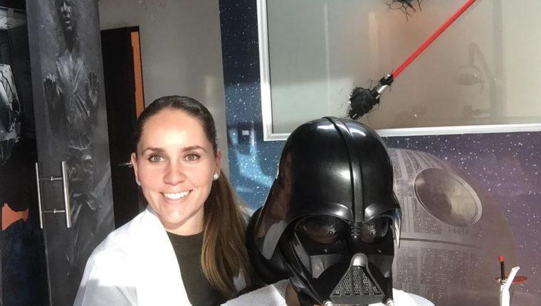 Diana Mazariegos, de 31 años, es especializada en implantes y estética bucal en la Universidad Mariano Gálvez. (Foto Prensa Libre: Cortesía)