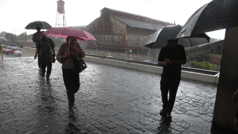 El invierno llegará de forma gradual en las diferentes zonas del país según Conred. (Foto, Prensa Libre: Hemeroteca PL).