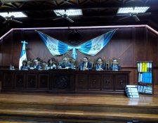 El pleno de magistrados durante la lectura de la resolución por el caso de la Mina San Rafael, el 3 de septiembre de 2018. (Foto Prensa Libre: Hemeroteca PL)