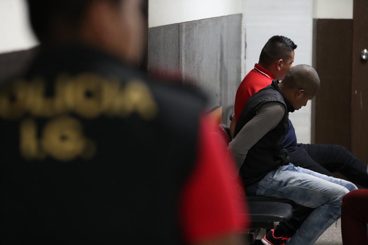Agentes han sido destituidos y denunciados ante la justicia por sus actuaciones al margen de la ley. (Foto Prensa Libre: Hemeroteca PL)