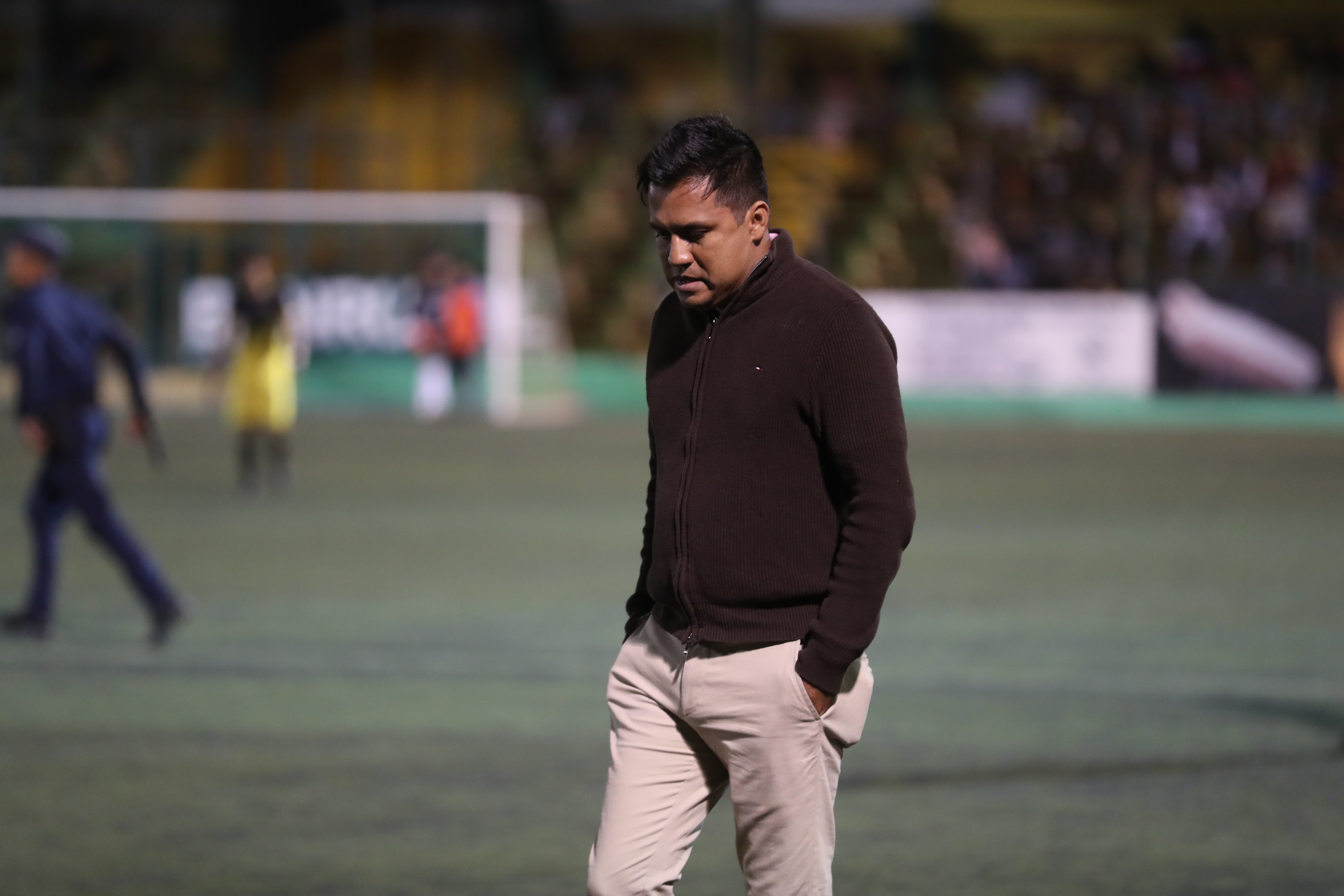 El timonel de Guastatoya Amarini Villatoro tiene el reto de hacer que su equipo recupere el nivel futbolístico que mostró el año pasado (Foto Prensa Libre: Edwin Fajardo)