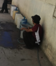 Según vecinos, desde hace dos años el servicio de agua es irregular. (Foto Prensa Libre: Cortesía).