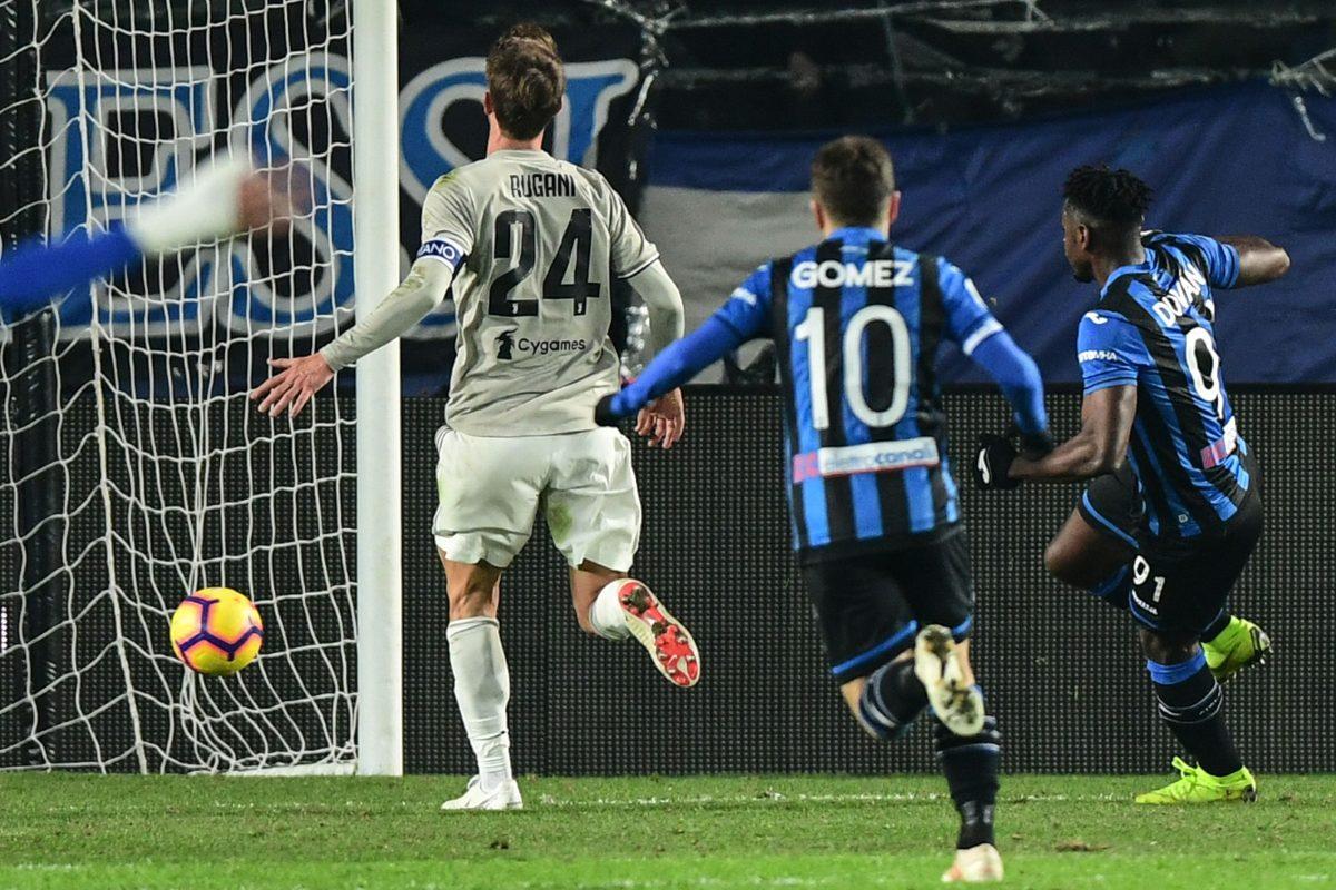 Con doblete de Zapata, Atalanta elimina a Juventus en cuartos de la Copa